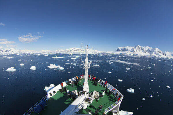 reasons-visit-antarctica-cruise-ship-bridge