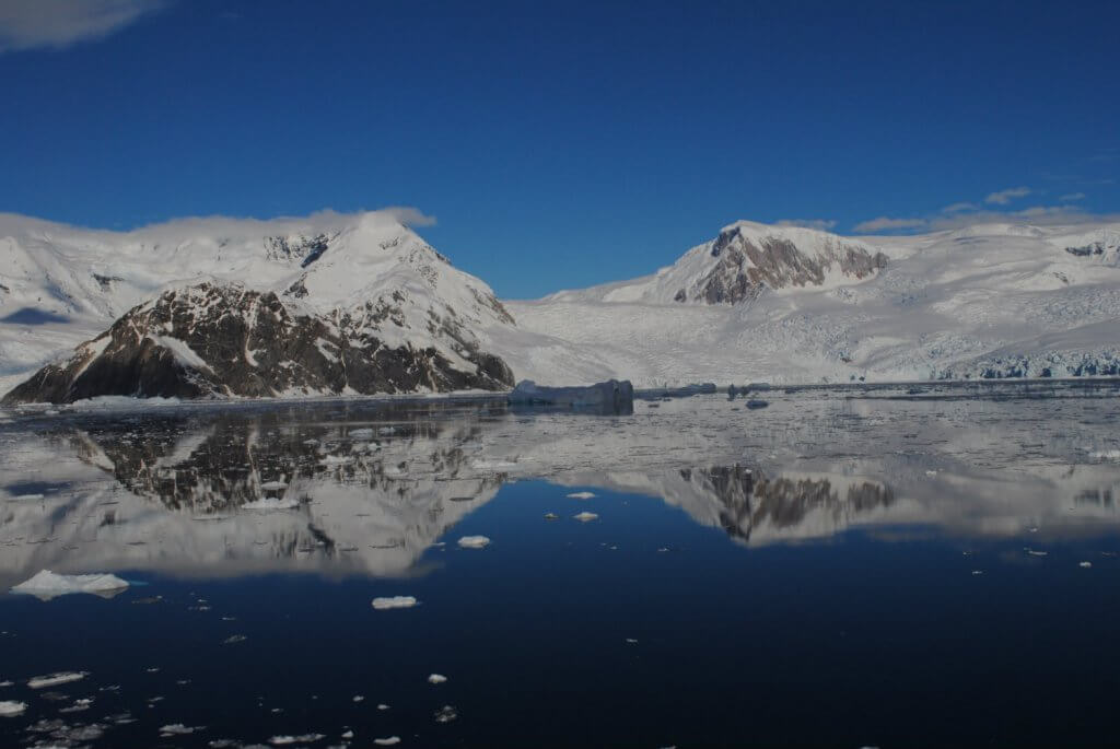 guide-antarctica-fly-cruises-neko-harbour